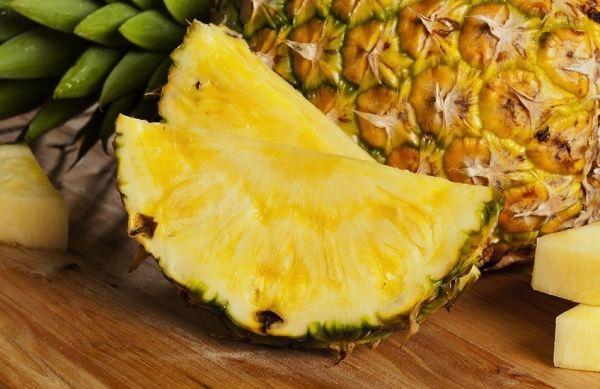 Fresh-pineapple-on-table