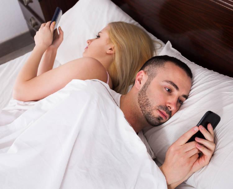 Problemas de pareja por el phubbing