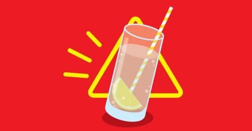 Porque no deberías jamás ordenar agua con limón en un restaurante
