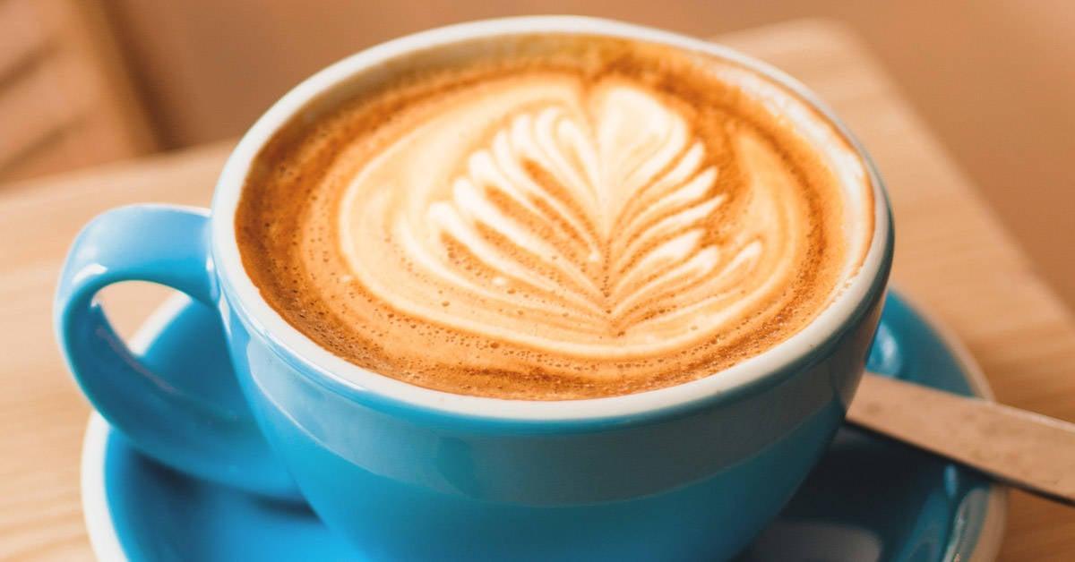 Delicioso latte vegano de almendras y vainilla