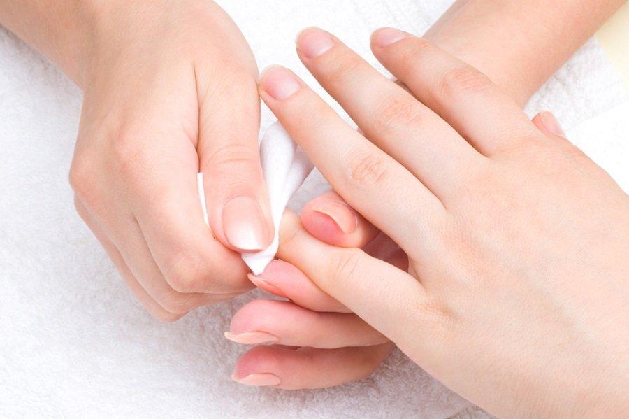 quitaesmalte limpiar uñas
