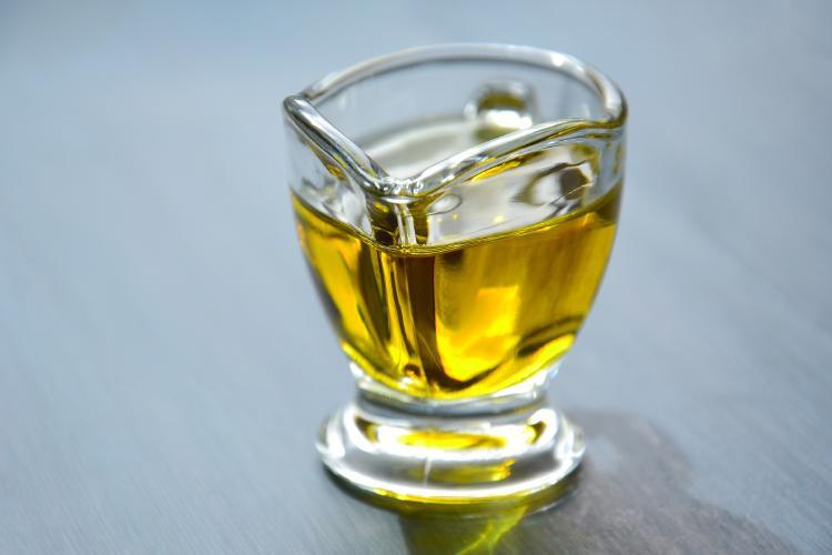 aceite de oliva para quitar las espinillas en 5 minutos
