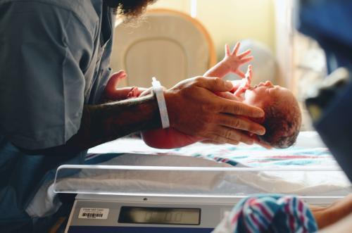 El encierro por COVID provoca una caída dramática de los nacimientos en todo el