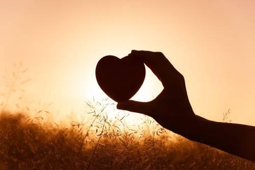¿Qué hay en tu interior? La parábola de la naranja que te hará reflexionar