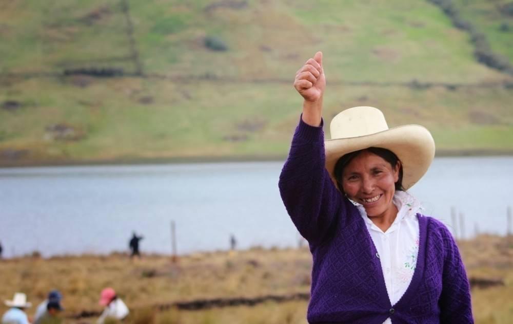 Una campesina luchó contra una minera en Perú, ¡y ganó!
