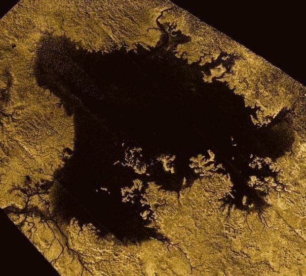 Los cientificos evalúan a Titán por ser muy parecida a la Tierra