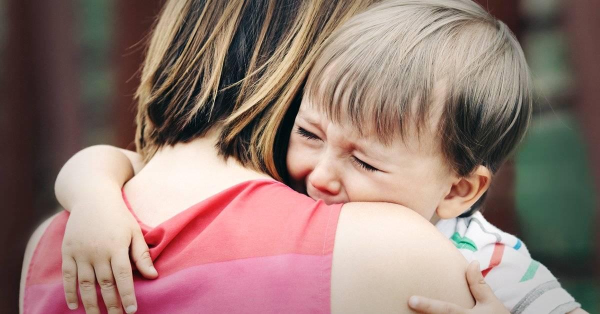 Frases que nunca tendríamos que decirle a un niño que está llorando