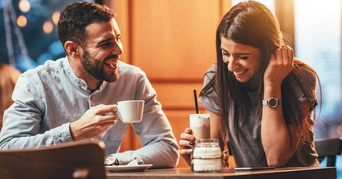 Celebrar el aniversario de tu rompimiento con tu ex, la tendencia que esta pareja está creando
