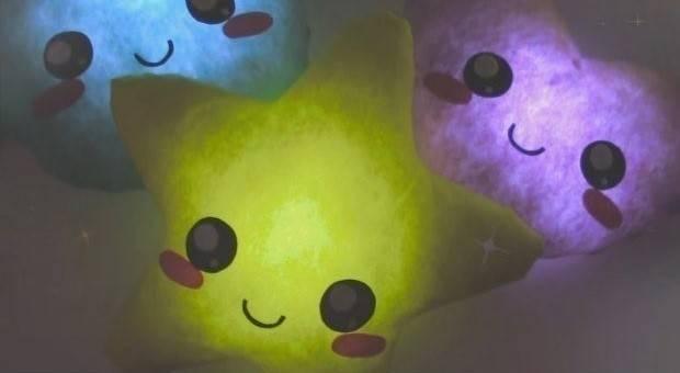 Cojines con luz para niños que le temen a la oscuridad
