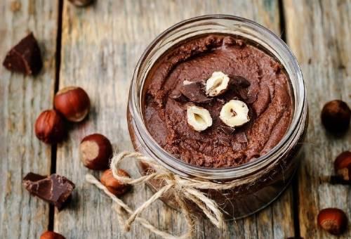 Delicioso y fácil postre de chocolate y avellanas ¡Sin lácteos ni cocción!