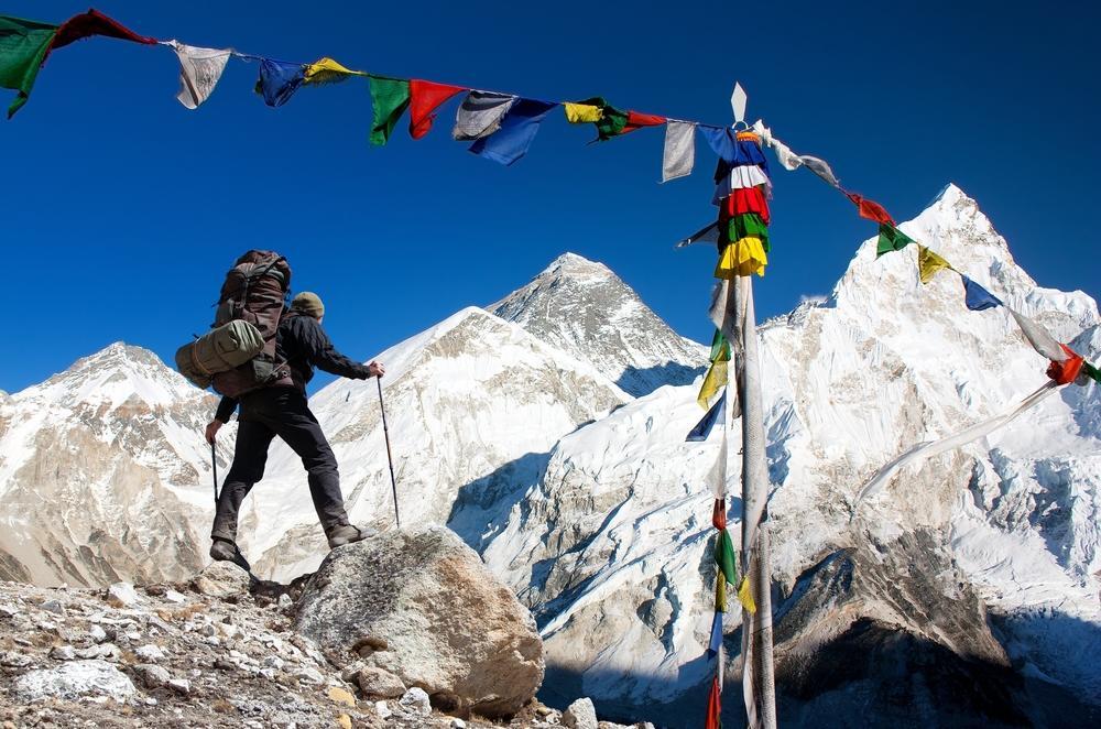 Hallan microplásticos contaminantes cerca de la cima del Everest
