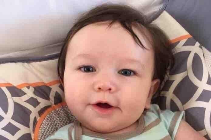 Dylan, padece la enfermedad de Krabbe, una afección neurológica rara y potencialmente terminal