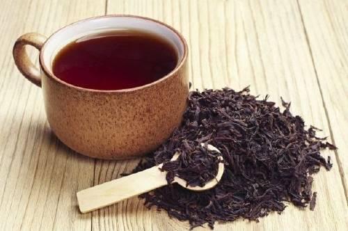 Descubren por qué el té negro protege del cáncer, la diabetes y los microbios