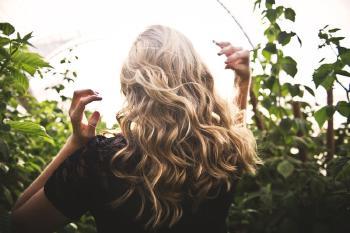 El té negro también es un gran aliado para el cabello ya que lo deja brillante y sedoso.