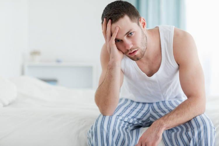 Hombre con problemas de próstata