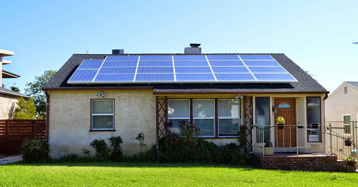 Por estas razones tienes que usar paneles solares en tu casa