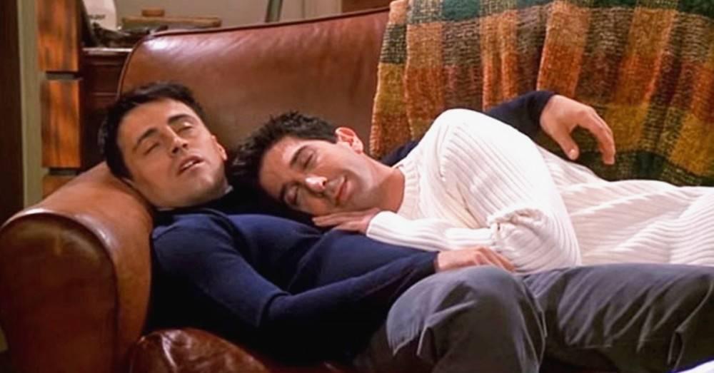 Beneficios para la pareja y la salud de dormir abrazados