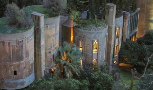 Alguien convirtió una casa abandonada en la mansión de sus sueños ¡El inte..