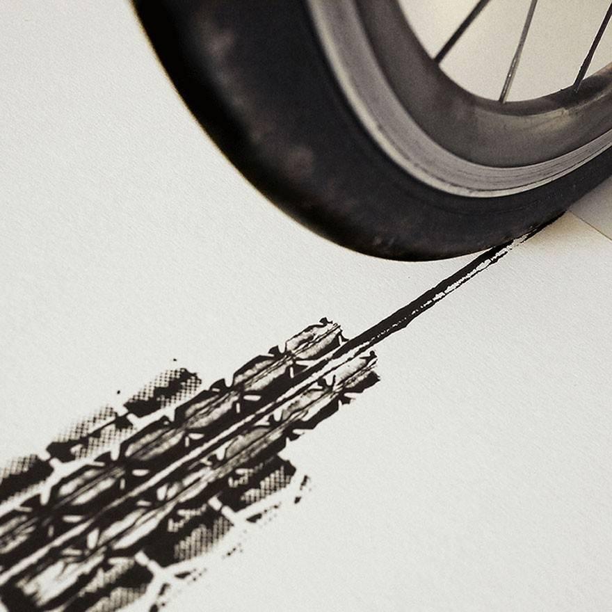 Obras de arte pintadas con ruedas de bicicletas