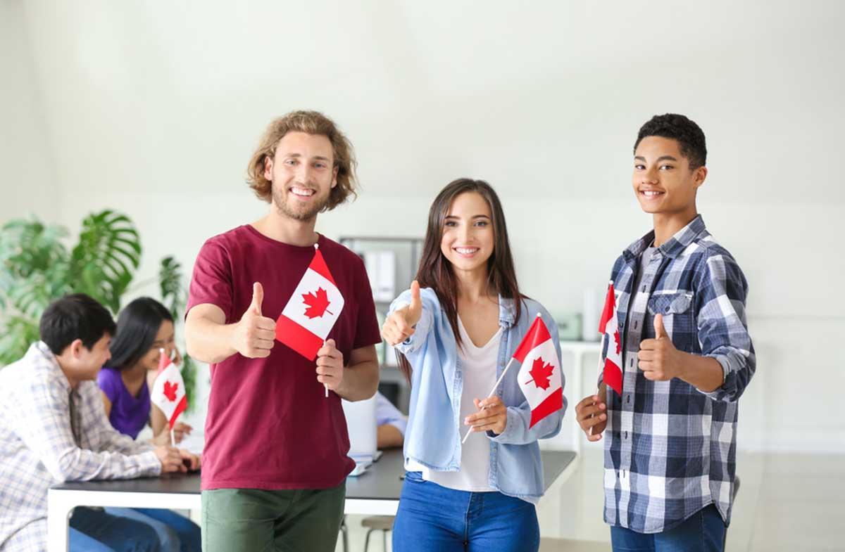 Canadá ofrece dinero a recién egresados para que vivan y trabajen en su país