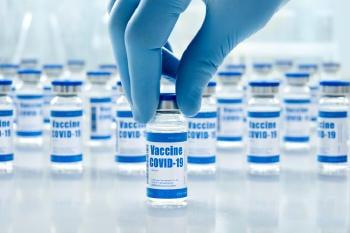 ¿Qué vacunas contra COVID-19 son válidas para entrar a Estados Unidos?