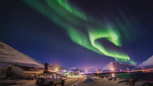 Descubren por primera vez un cometa con su propia aurora boreal