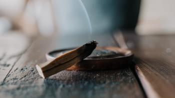 palo santo humo azul significado