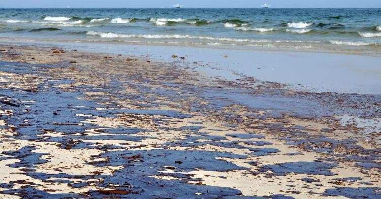 toneladas-petroleo-costa-brasileña