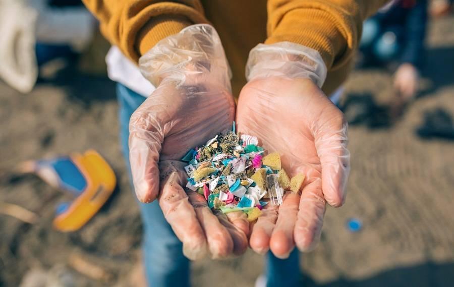 Microplásticos: ¿Por qué están presentes en los productos que consumimos?
