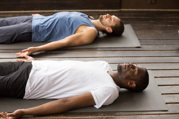 posturas de yoga relajacion