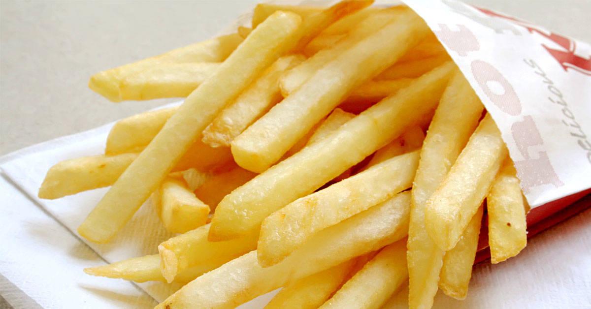Un joven quedó casi ciego por comer solo patatas fritas durante años