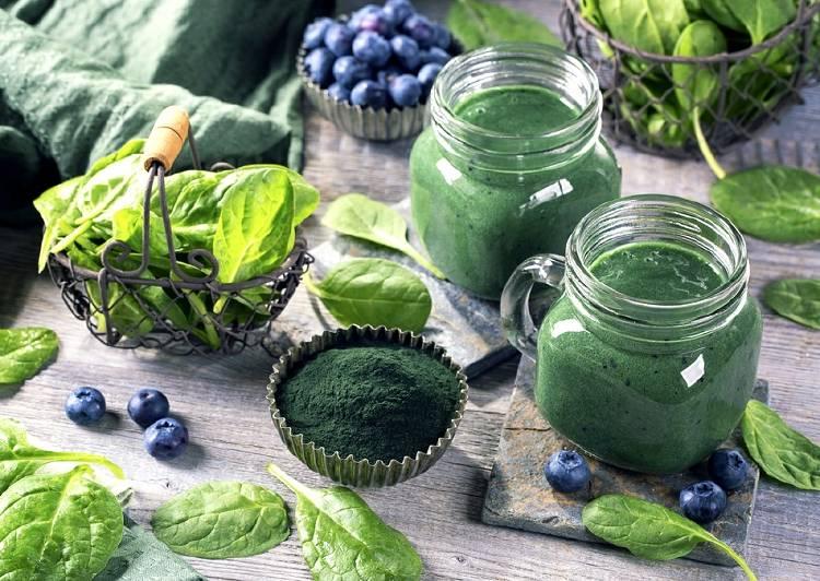 spirulina espirulina y hojas verdes 1