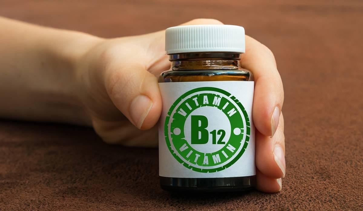 Vitamina B12 en veganos: aprende a identificar si está baja