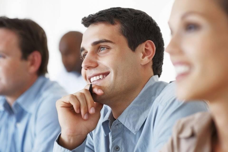 5 Razones Por Las Que Escuchar Una Charla Motivacional