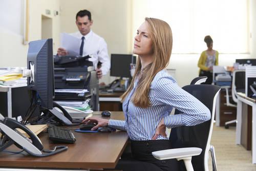 Trabajar sentados: uno de los comportamientos sedentarios que hacen que la inactividad sea un problema
