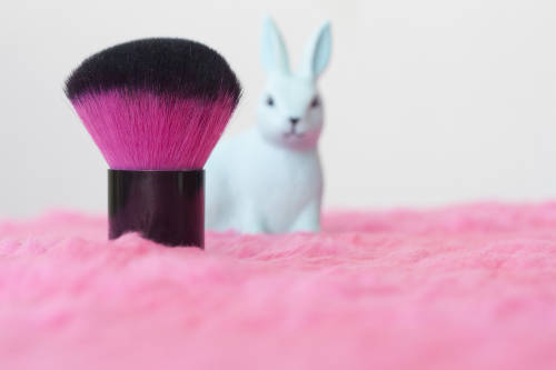 Prohíben la venta de cosméticos testeados en animales en California