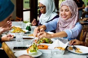 mujeres-almuerzo