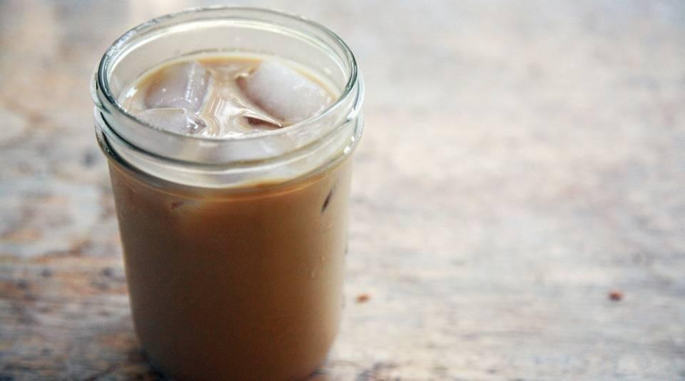 ¿Materia fecal en el café helado? El escándalo que sacude al mundo