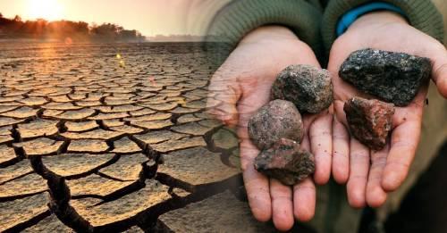 """Las misteriosas """"piedras de la sequía"""" que aparecieron en Europa"""