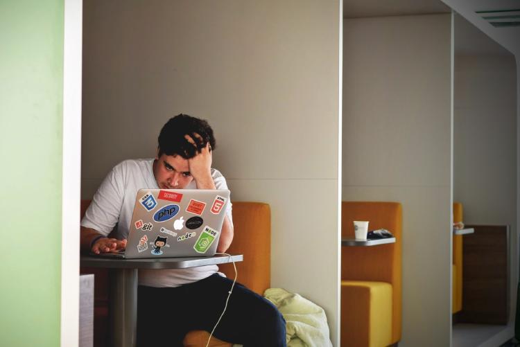 distrés y estrés laboral cómo evitar consecuencias