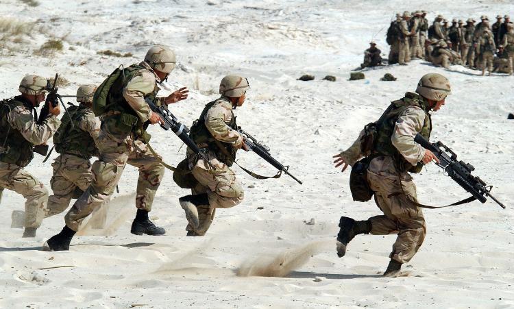 Las tropas transgénero ahora pueden servir y alistarse en el ejército de EE. UU