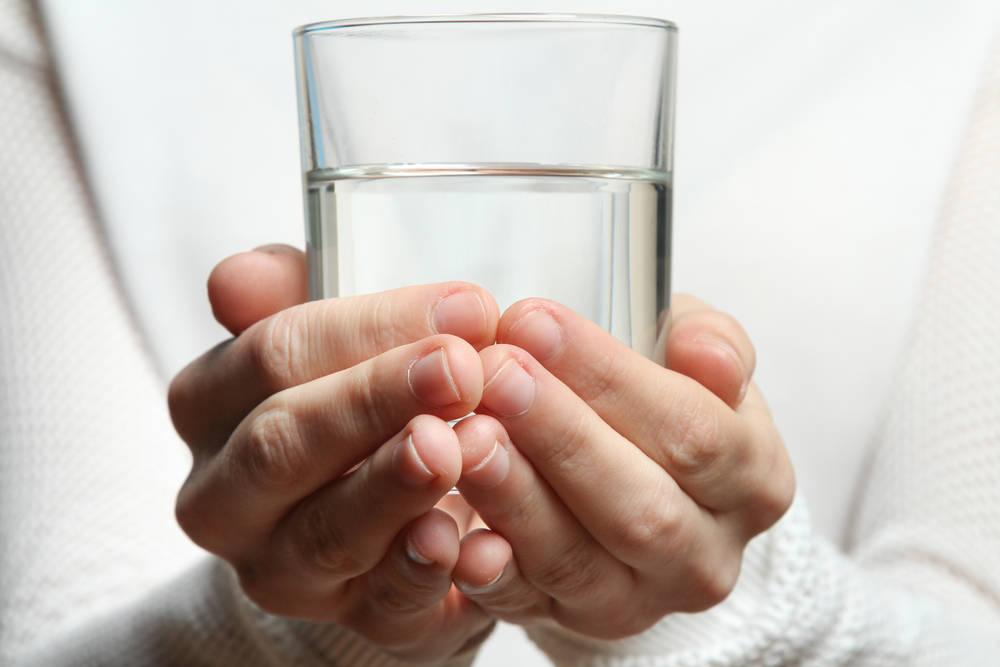 Tus pensamientos pueden generar energía positiva en el agua que bebes