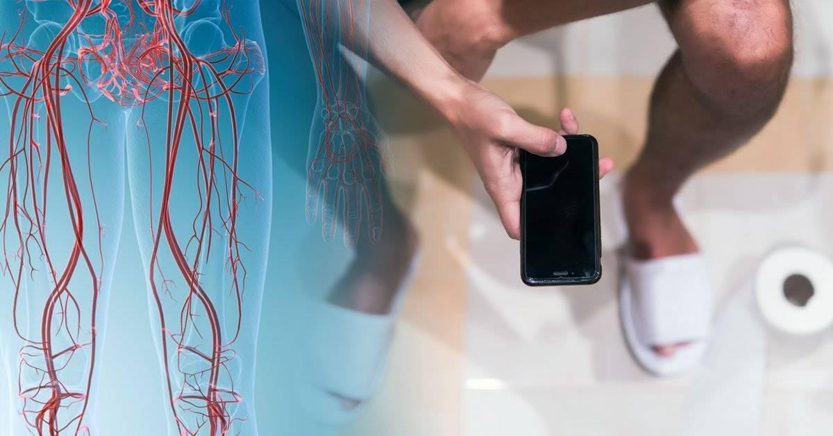 Estos son los riesgos reales de usar el celular en el baño