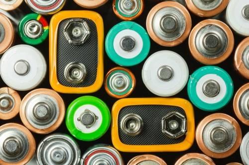 ¿Qué debemos hacer con las pilas usadas?
