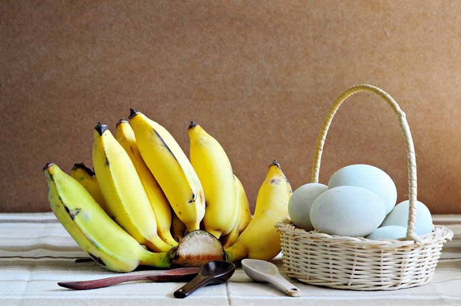 huevos bananas