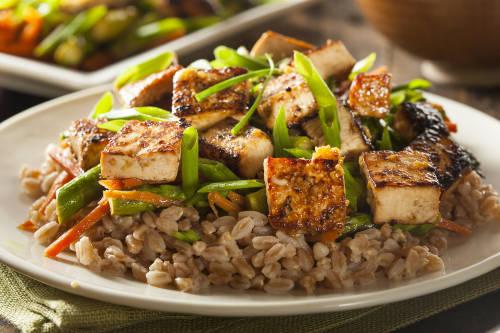 Sigue estos sencillos pasos para hacer tofu en casa