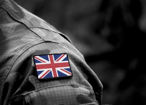 Soldados británicos expulsados por ser homosexuales recuperarán sus medallas
