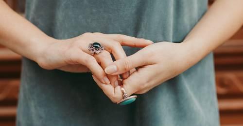 Cómo usar el poder sanador de tus manos para tener una vida más completa