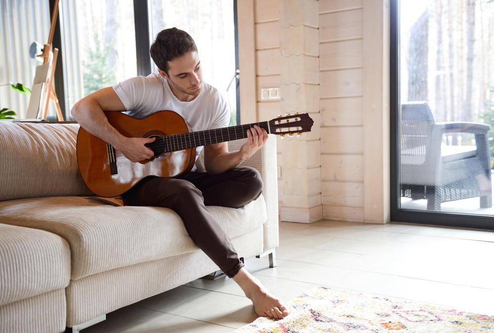 Tocar un instrumento musical tiene un impacto positivo en nuestro cerebro