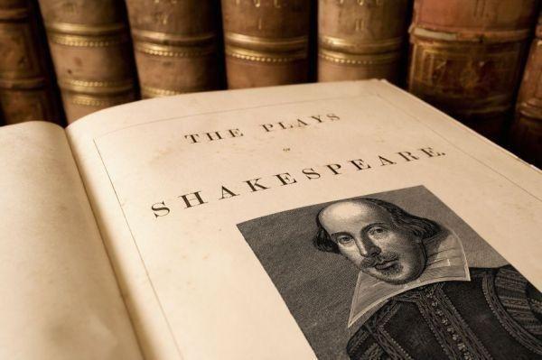 Los curiosos investigadores sostienen que Shakespeare no solo usa las mismas palabras que North, sino que a menudo las usa en escenas sobre temas similares